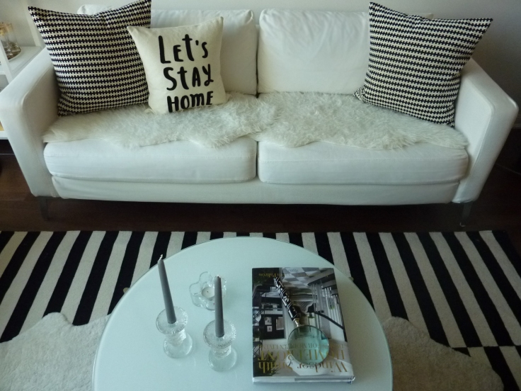 Honestyle-Home-Decor-Sofa-Styling