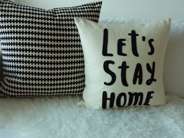 Honestyle-Home-Decor-Sofa-Styling