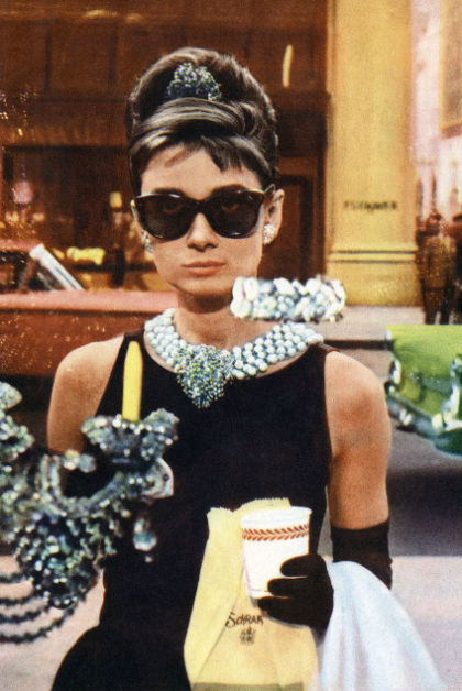 Honestyle-Halloween-Costume-Audrey-Hepburn-Breakfast-at-Tiffany's