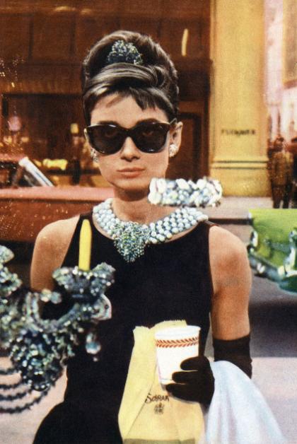Honestyle-Halloween-Costume-Audrey-Hepburn-Breakfast-at-Tiffany's