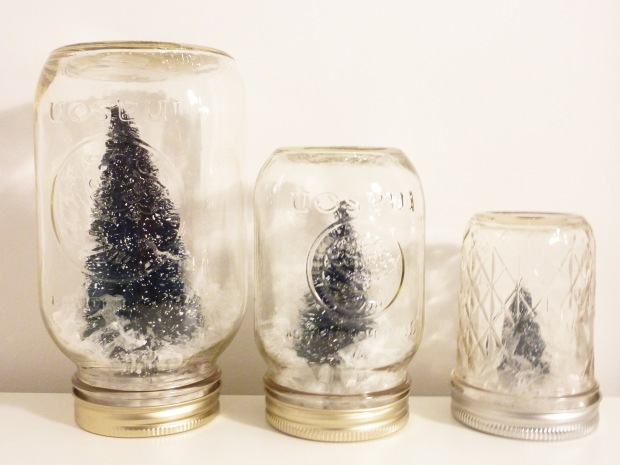 Honestyle-DIY-Mason-Jar-Snow-Globes